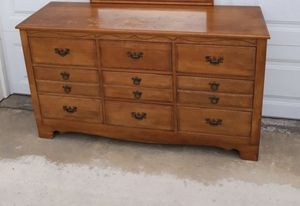 Solid Maple 9'Drawer dresser for Sale in Corona, CA