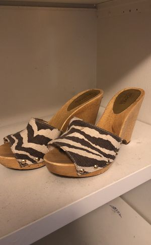 Michael kors shoes size 9 1/2 for Sale in Tampa, FL