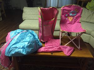 Girls beach chair and tent like new.. for Sale in Rockville, MD