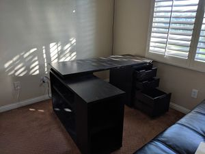 Wayfair L shaped desk for Sale in Chula Vista, CA