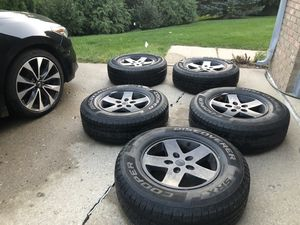 Jeep Wrangler wheels and tires for Sale in Bloomfield Hills, MI
