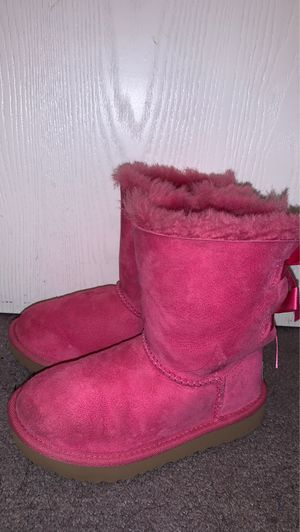 Girls Pink Ugg boots for Sale in Modesto, CA
