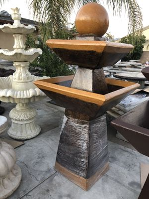 Water fountain. for Sale in Los Angeles, CA