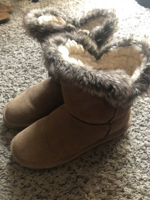 Women's size 9 bear paw/ugg boots for Sale in Fairburn, GA