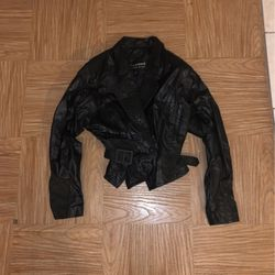 Wilsons GENUINE tooled floral leather jacket style 5097 size small for Sale in Oak Lawn,  IL