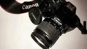 CCanon EOS Rebel T3 Digital SLR Camera with EF-S 18-55mm f/3.5-5.6 IS Lens for Sale in Lakewood, OH