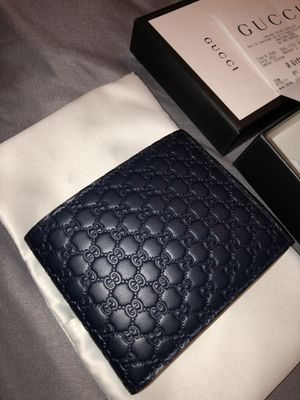 SIGNATURE GUCCI WALLET 100% AUTHENTIC for Sale in Sugar Land, TX