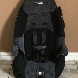 SAFETY 1ST CONVERTIBLE CAR SEAT 2 In 1 for Sale in Riverside, CA