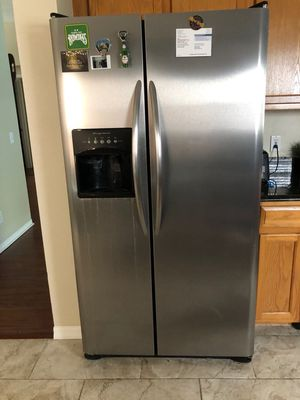 Frigidaire ss kitchen appliance set for Sale in TWN N CNTRY, FL