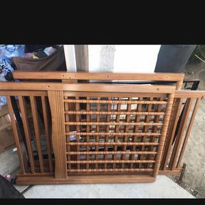 Free Complete Baby Crib***no mattress for Sale in Lake Elsinore, CA