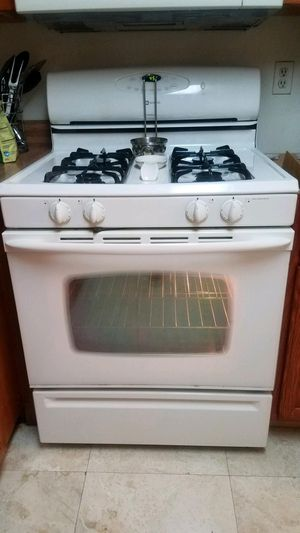 MAYTAG 4pc Egg White Kitchen appliances for Sale in Washington, DC