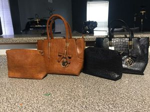 Purses and accessories for Sale in Las Vegas, NV