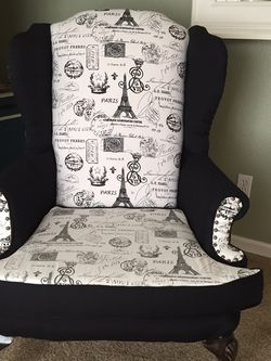 Eiffel Tower Accent Chair for Sale in Clovis,  CA