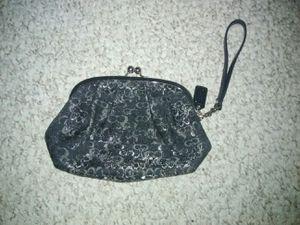 Coach Wristlet Kisslock LARGE Clutch Wallet Sparkly for Sale in Schaumburg, IL