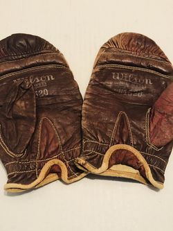 Vintage Wison Unweighted Speed Bag Gloves for Sale in Riverside,  CA