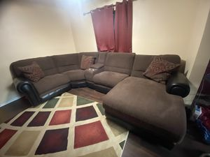 Raymour and Flannigan's power reclining 5 pc sectional under warranty till 2022 for Sale in South Brunswick Township, NJ