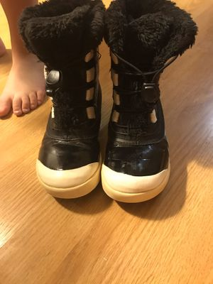 Size 13k snow boots for Sale in Egg Harbor City, NJ