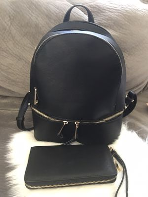 Medium size backpack black with matching wallet for Sale in Calumet City, IL