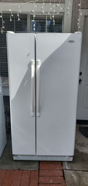 Refrigerador whirlpool for Sale in March Air Reserve Base, CA