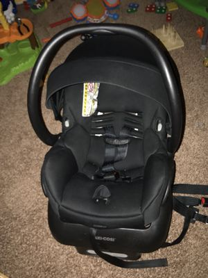Maxi cosi car seat for Sale in Rensselaer, NY