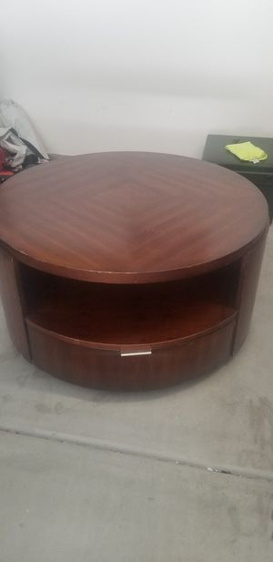 Round Wooden coffee table for Sale in Oceanside, CA
