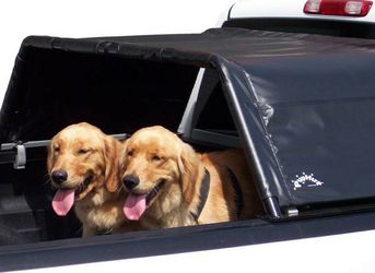 PUPHUT SHADE FOR DOGS IN BED OF PICKUP for Sale in San Clemente,  CA