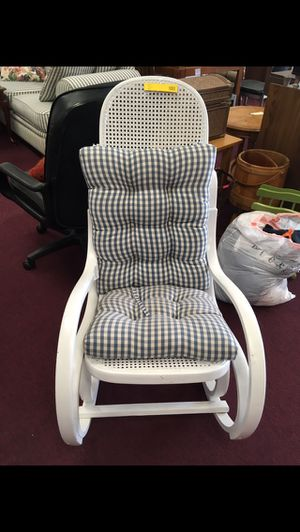 Rocking chair for Sale in Big Rapids, MI