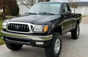 2001 TOYOTA TACOMA runs great, CLEAN TITLE! for Sale in Portland, OR