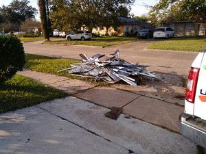 Free scrap metal first come first serve is on the curb 3702 tanglebriar drive 77503 for Sale in Pasadena, TX