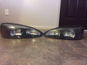 06 pontiac Grand Prix headlight for Sale in Grand Rapids, MI