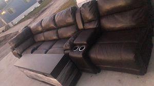 Muebles en buenas condiciones lo doy con el entertainment center ... for Sale in Auburndale, FL