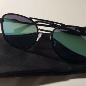 Quay Australia Sunglasses for Sale in Bellflower, CA