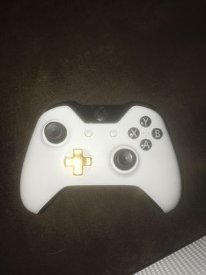 xbox one s with elite controller and gaming headset for Sale in Tampa, FL