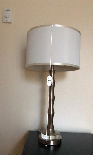 Table Lamp with 2 pull chains and 2 Bulbs (excellent condition)- White (2 bulbs INCLUDED) for Sale in Bellevue, WA
