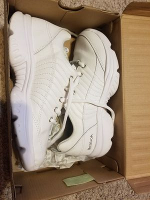 Reebok white shoes size 7 for Sale in Crystal City, MO