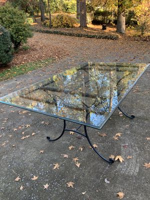 Charleston Forge Glass Dining Room Table for Sale in Columbia, SC