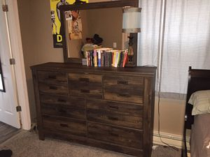 Queen Size Bedroom Set for Sale in Pontiac, IL