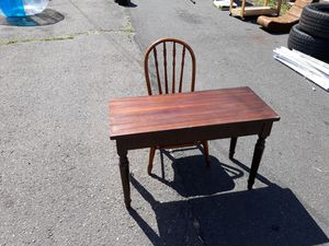Kids desk for Sale in New Britain, CT