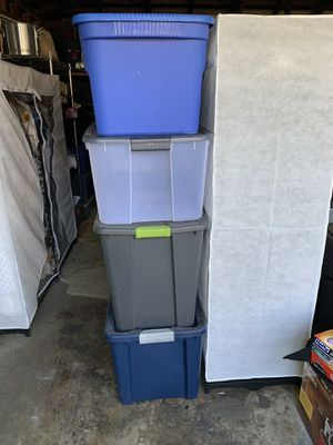 4 free empty storage containers for Sale in Whittier, CA