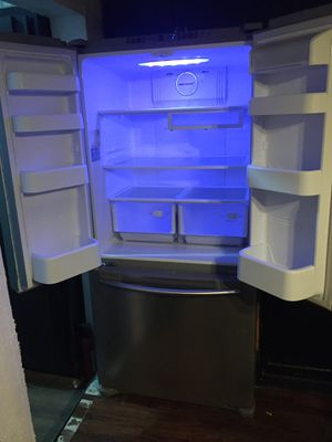 Late model Samsung French door stainless steel refrigerator for Sale in San Antonio, TX