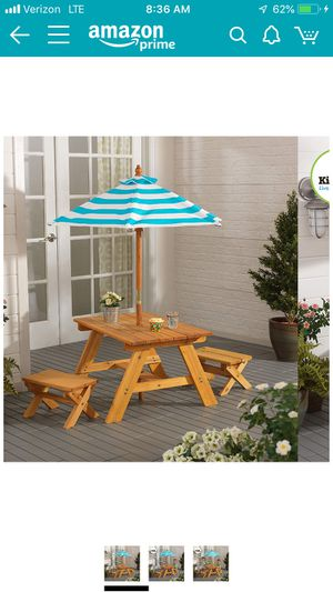 Kids patio set picnic table w benches & umbrella for Sale in Cleveland, OH