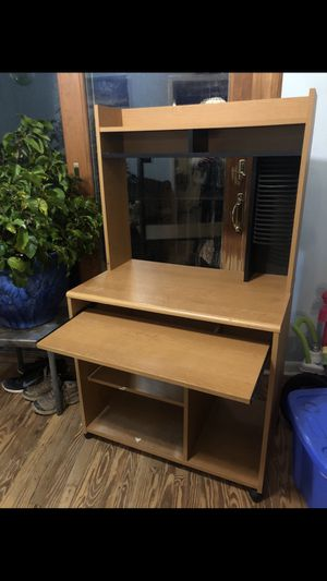 Computer Desk on Wheels for Sale in Reisterstown, MD