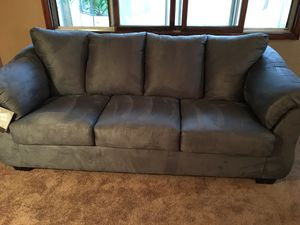 Brand new couch gray for Sale in Saint Paul, MN