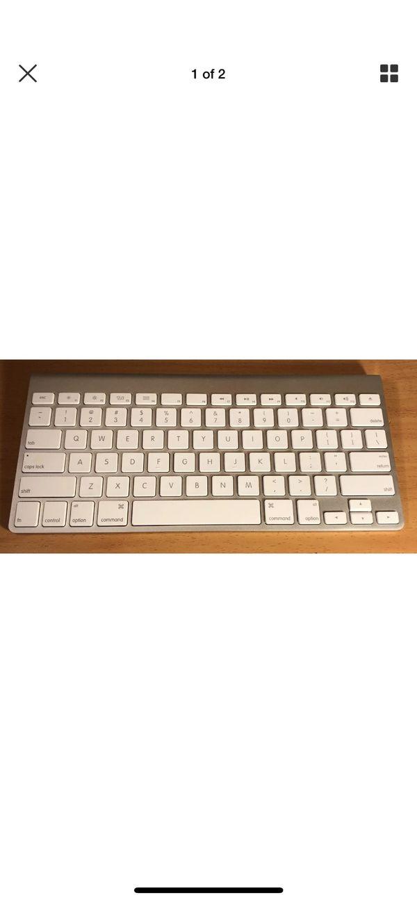 Apple Model A1314 Wireless Keyboard Bluetooth