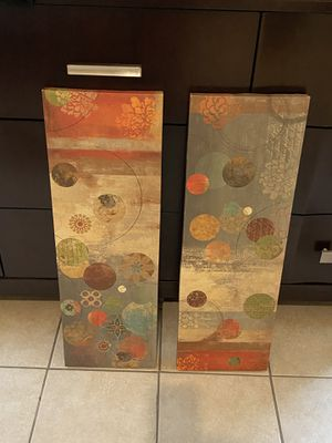 """2 wall 30"""" x 10"""" in excellent condition for Sale in Lawrenceville, GA"""