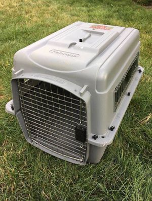 "Sky Kennel Ultra Medium Petmate Kennel 28""L x 20.5""W x 20.5""H for Sale in Steilacoom, WA"