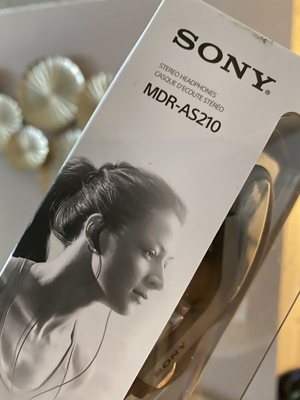 Sony Stereo headphone for sports+ extra earbud