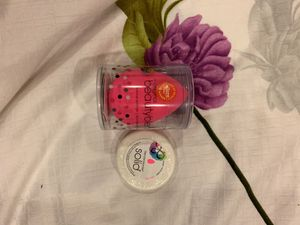 Beauty blender with FREE soap for Sale in Queens, NY