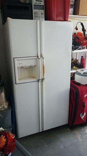GE refrigerator for Sale in Tamarac, FL