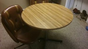 Table with 2 chairs for Sale in Quincy, IL